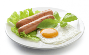 roasted-sausages-and-fried-egg-2896714